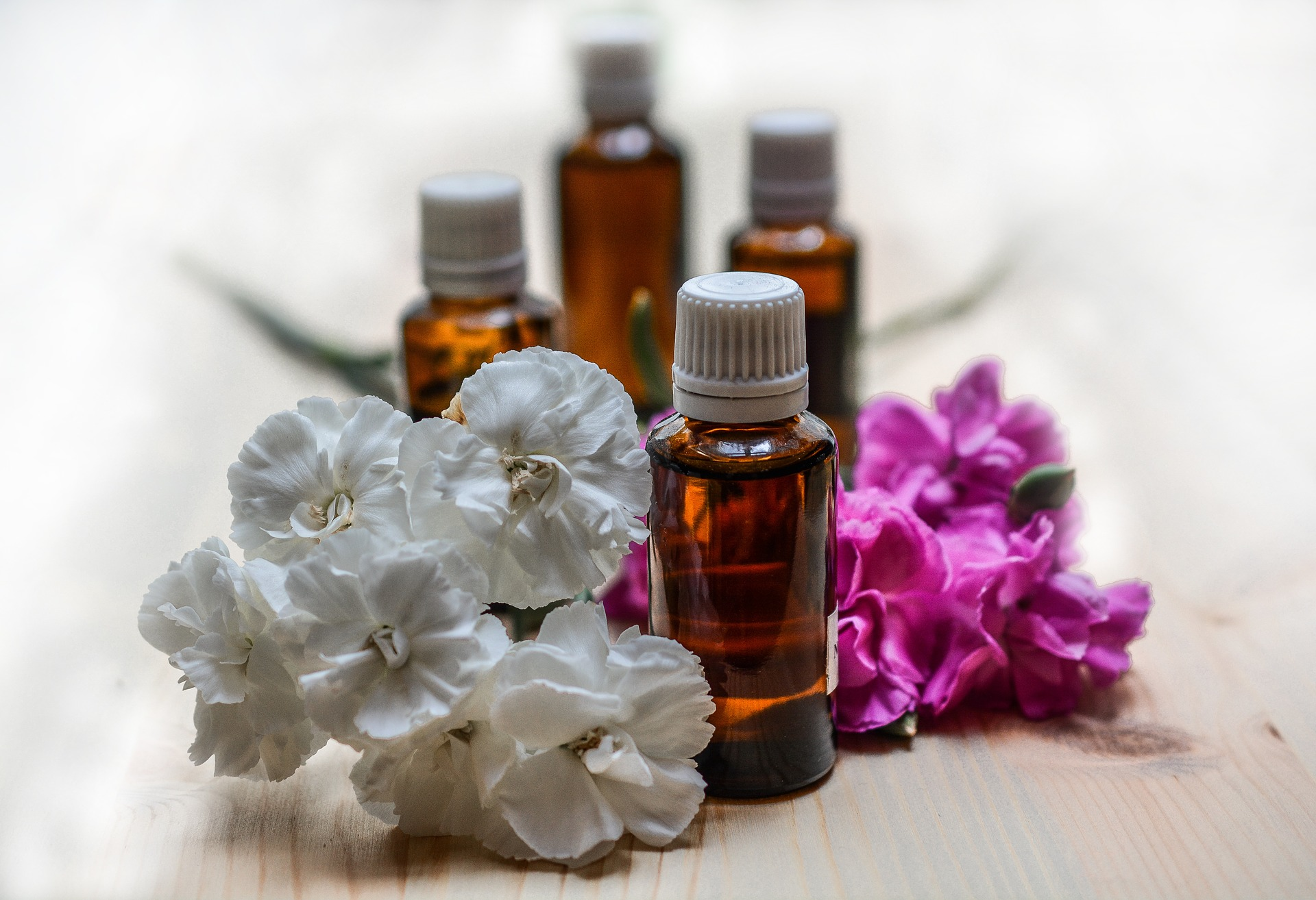 Essential Oils For Attracting Love