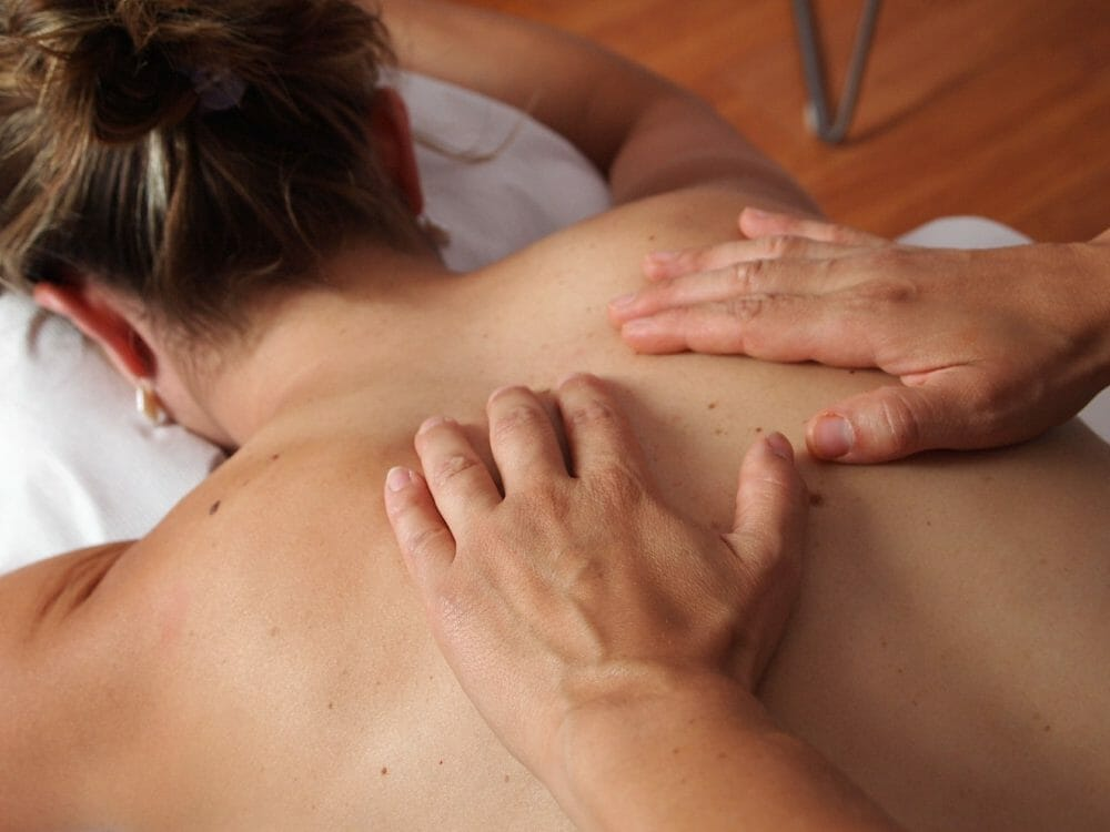 Best Massage Oils For Couples